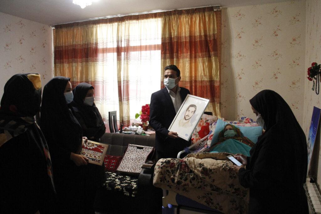 حضور کارکنان فرهنگسرای اندیشه در منزل شهید طباطبایی + عکس