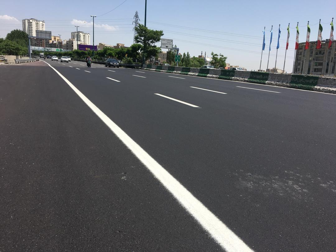 عملیات آسفالت و بهسازی معابر و بزرگراه های منطقه ۳ اجرا شد