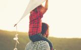 کدام فرزند عمر پدر را بیشتر میکند؟