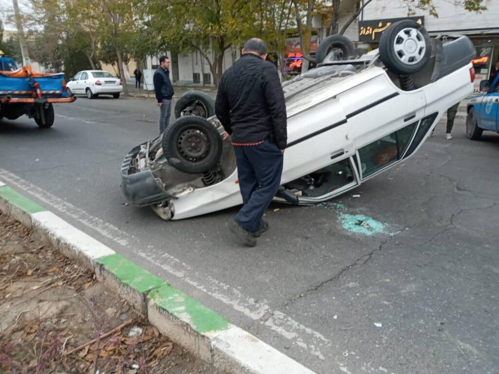 واژگونی پراید در خیابان دامپزشکی تبریز+ عکس